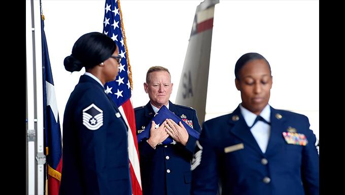 149th Maintenance Group commander retires